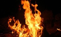 Tưới xăng đốt bạn nhậu vì liên tục chửi thề