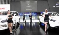 Những bóng hồng 'đua sắc' ở Vietnam Motor Show 2015