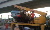 """Xế hộp """"hôn"""" đuôi xe vệ sinh đường phố, giao thông rối loạn trên QL51"""