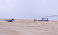 Bình Định: Tàu cá hỏng, 12 ngư dân trôi tự do trên biển