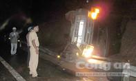 Lật xe khách ở Đắk Lắk, hàng chục người thương vong