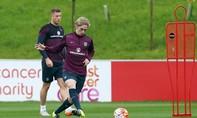 """Cầu thủ 17 tuổi thay Rooney ở tuyển """"Tam sư"""""""