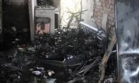 Ba căn nhà bị cháy rụi giữa trưa