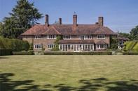 Chiêm ngưỡng căn nhà trị giá 5 triệu bảng Anh của cựu điệp viên 007