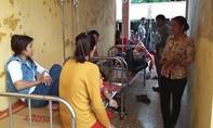 56 công nhân nhập viện vì ăn phải thức ăn nghi có dòi