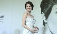 Ngọc Trinh đẹp gợi cảm 'đánh bật' Hoa hậu Kỳ Duyên trên thảm đỏ