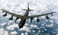 """""""Nắn gân"""" Trung Quốc, Mỹ điều B-52 tiến gần các đảo nhân tạo Bắc Kinh xây trên Biển Đông"""