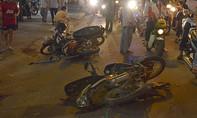 Ô tô gây tai nạn liên hoàn, hai người chết, ba người bị thương