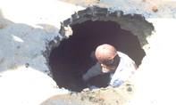 Xuất hiện hố tử thần trên đường Đình Phong Phú Q.9