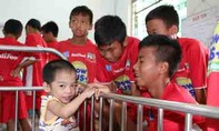 Các cầu thủ U21 HAGL sẻ chia tình cảm trước trận chung kết