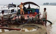 Bắt quả tang nhóm đối tượng khai thác cát sỏi trái phép trên sông Lam