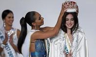 Tân Hoa hậu Quốc tế  bị tố phẫu thuật thẩm mỹ quá đà