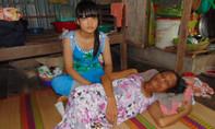 Không tiền chữa bệnh, bé gái 14 tuổi bất lực nhìn mẹ chết dần từng ngày