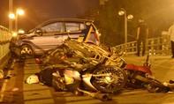 Tài xế taxi bị truy đuổi trước khi gây tai nạn kinh hoàng