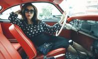 Hoa hậu Thu Hoài hóa thân thành quý cô thập niên 60