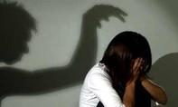 Bé gái 3 tuổi bị bạn của cha mẹ hiếp dâm