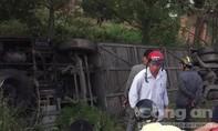 Xe Phương Trang lao xuống cống sâu, 6 người thương vong
