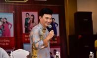 Hoài Linh 'tố' Quang Linh hay 'nhéo' thí sinh