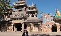 Chuyện lạ tại ngôi chùa 've chai' độc đáo nhất Việt Nam