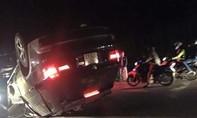 Xe BMW X5 biển số Hà Nội lao thẳng vào xe CSGT sau khi gây tai nạn