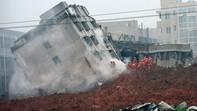 Chùm ảnh về công tác cứu hộ, tìm người mất tích sau vụ lở đất tại Thâm Quyến