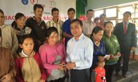 7.000 người cận nghèo nhận thẻ bảo hiểm y tế miễn phí