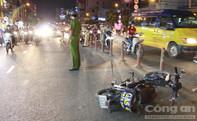 Hai xe máy va chạm trong đêm Noel, hai người nhập viện