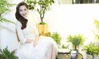 Hoa hậu Đặng Thu Thảo đẹp lộng lẫy với đầm kết lông vũ