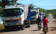 Người dân ngủ ngoài đường tiếp tục chặn xe đổ rác, chính quyền lên tiếng!