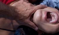 5 nam sinh lớp 9 khống chế cô giáo hiếp dâm gây chấn động