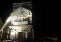 Cháy nhà 3 tầng ở quận 6, người dân hoảng loạn