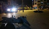 Xe chở công nhân tông hàng loạt xe máy: 2 người chết, 4 người bị thương