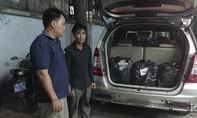CSGT bắt xe ô tô chở gần 3.000 gói thuốc lá lậu