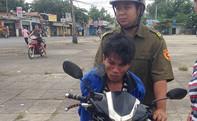 Bắt tên trộm dùng đoản cướp xe máy của sinh viên
