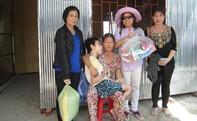 Dân nghèo nhận nhà mới đón xuân