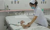 Phẫu thuật cứu sống bé trai 8 tháng tuổi không có hậu môn