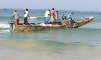 Tàu cá Trung Quốc bị tố đánh bắt trái phép ở Tây Phi