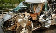 Tai nạn nghiêm trọng trên đường tránh cầu vượt, 8 người thương vong