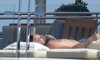 Tài tử Leonardo phớt lờ Cannes, hưởng thụ cuộc sống xa hoa