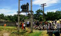 Dân tố trạm biến áp hở điện giật chết trâu