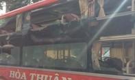 Ba xe khách bị ném đá, 3 người bị thương