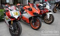 Siêu mô tô BMW đọ dáng cùng Ducati ở Sài Gòn