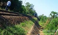 Đi lo đám cưới, cụ ông chết thương tâm vì băng qua đường sắt