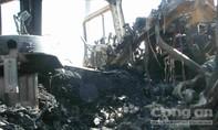Xe tải bốc cháy ngùn ngụt trên quốc lộ 1