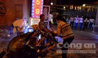 'Cái bang' bủa vây khách lễ chùa ngày lễ Phật đản