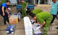 Bắt xe tải chở trái cây giấu hàng trăm cây thuốc lá lậu