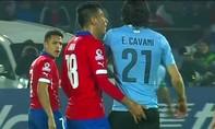 """""""Quấy rối"""" đối thủ, Gonzalo Jara bị treo giò hết giải"""