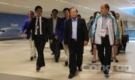 Bộ trưởng Hoàng Tuấn Anh đến Singapore cổ vũ cho đoàn Thể thao Việt nam