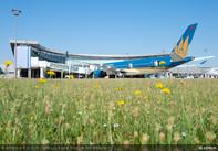 Vietnam Airlines tiếp nhận chiếc máy bay Airbus A350 XWB đầu tiên
