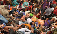 Giẫm đạp trong ngày đầu tiên của lễ hội, 29 người thiệt mạng